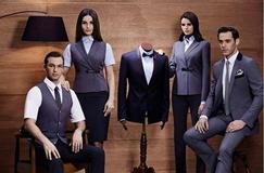 武汉团体西服厂家分享什么样的男人适合穿条纹西装